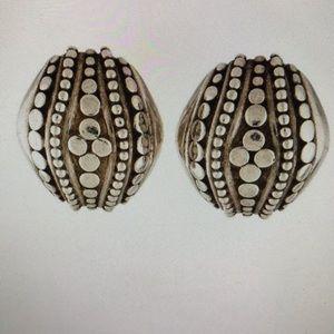 John Hardy sterling silver Dot ear clips !!!Firm